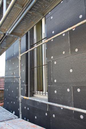 Mise en oeuvre d'une isolation thermique par l'extérieur en rénovation avec Cellomur Ultra