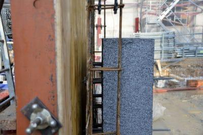 Isolation intégrée des murs en application murs banchés. Chantiers : Caserne de Reuilly Paris 12